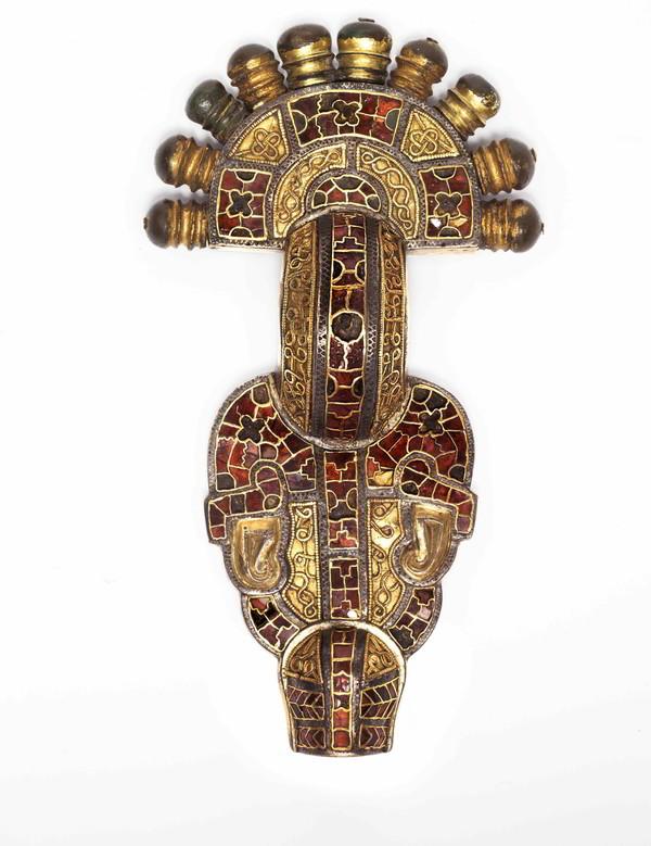 Bügelfibel aus dem Fürstinnengrab von Wittislingen, erste Hälfte 7. Jahrhundert ©Archäologische Staatssammlung München | Foto: Stefanie Friedrich